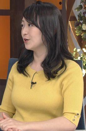 豊乳を強調していたWBSの片渕茜!ニット乳 & 横乳! (1)