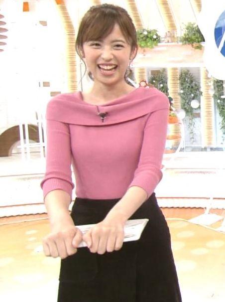 小ぶりでも形の良さそうなニットおっぱいも可愛い久慈暁子!! (19)