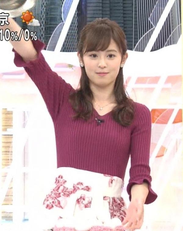 小ぶりでも形の良さそうなニットおっぱいも可愛い久慈暁子!! (12)