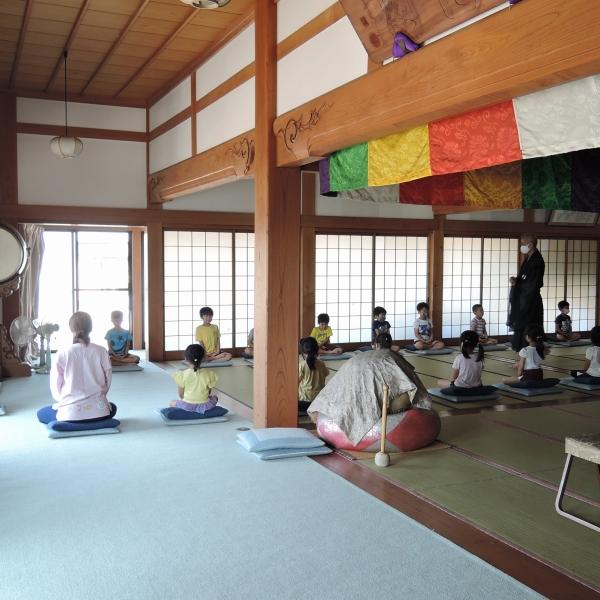 600保育園の坐禅体験2006