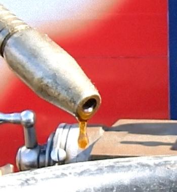 OIL2.jpg