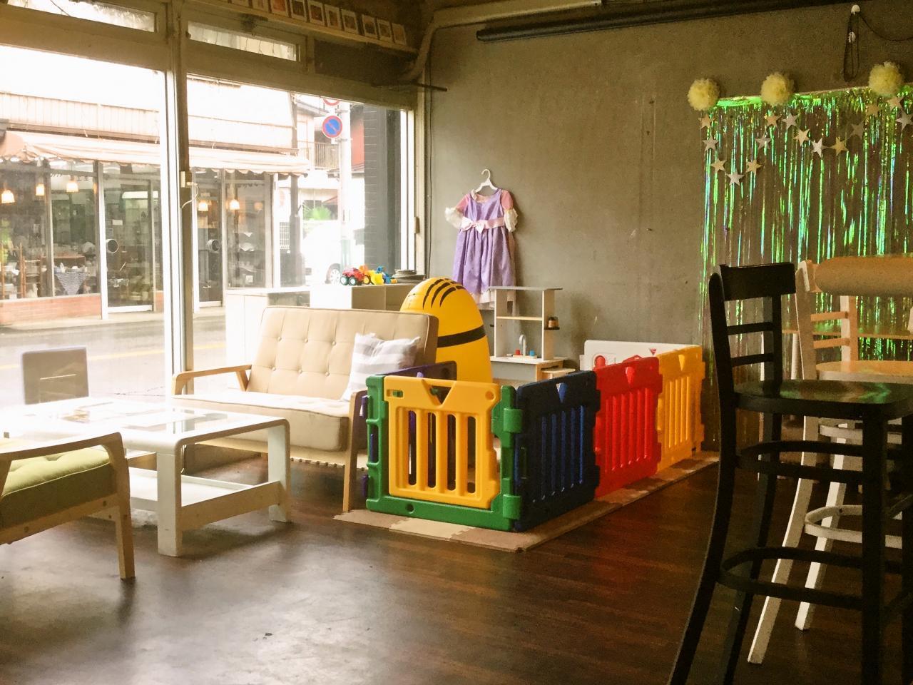 あげぱんカフェ&バー狭山店(店内)