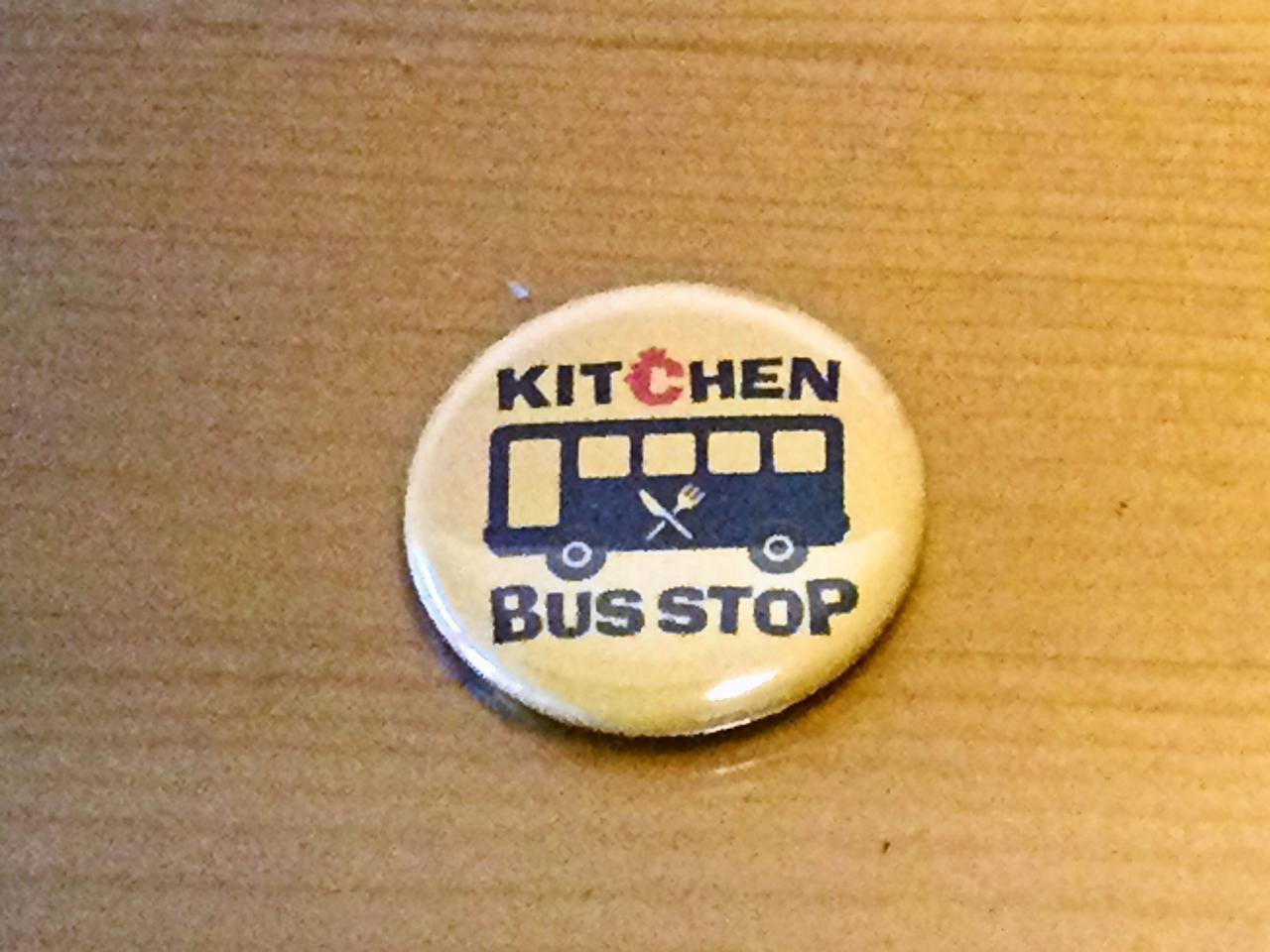 キッチン BUS STOP(缶バッチ)