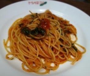 スパゲッティ・青ジソとトマトソース