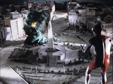 ウルトラマン vs グリーンモンス