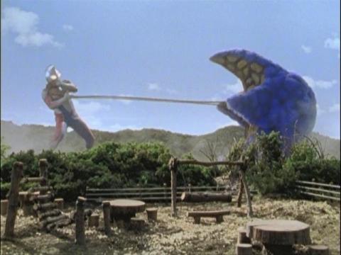 ウルトラマンダイナ(フラッシュタイプ) vs マリキュラ