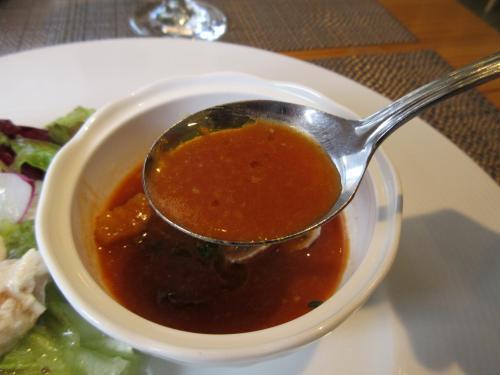 魚介の風味と芳醇なトマトの酸味が利いてます