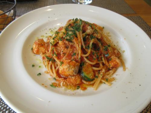 真鯛とズッキーニのトマトソーススパゲッティ
