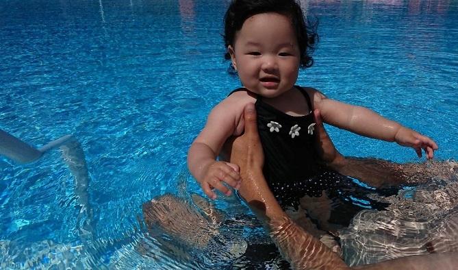 202009122日目ヒルトン首里城Pool (4)