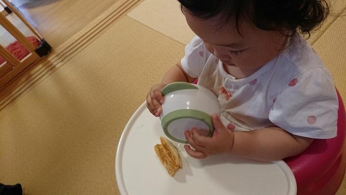 202010愛娘初めての手づかみごはん (2)
