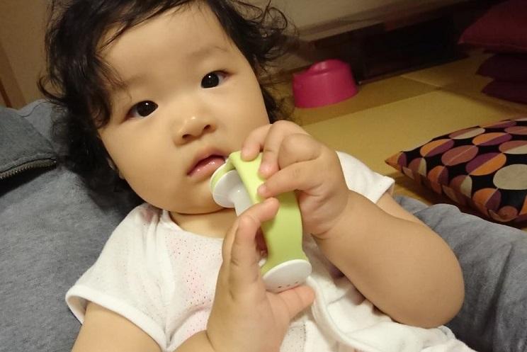 202011愛娘初めての 歯磨き(2)